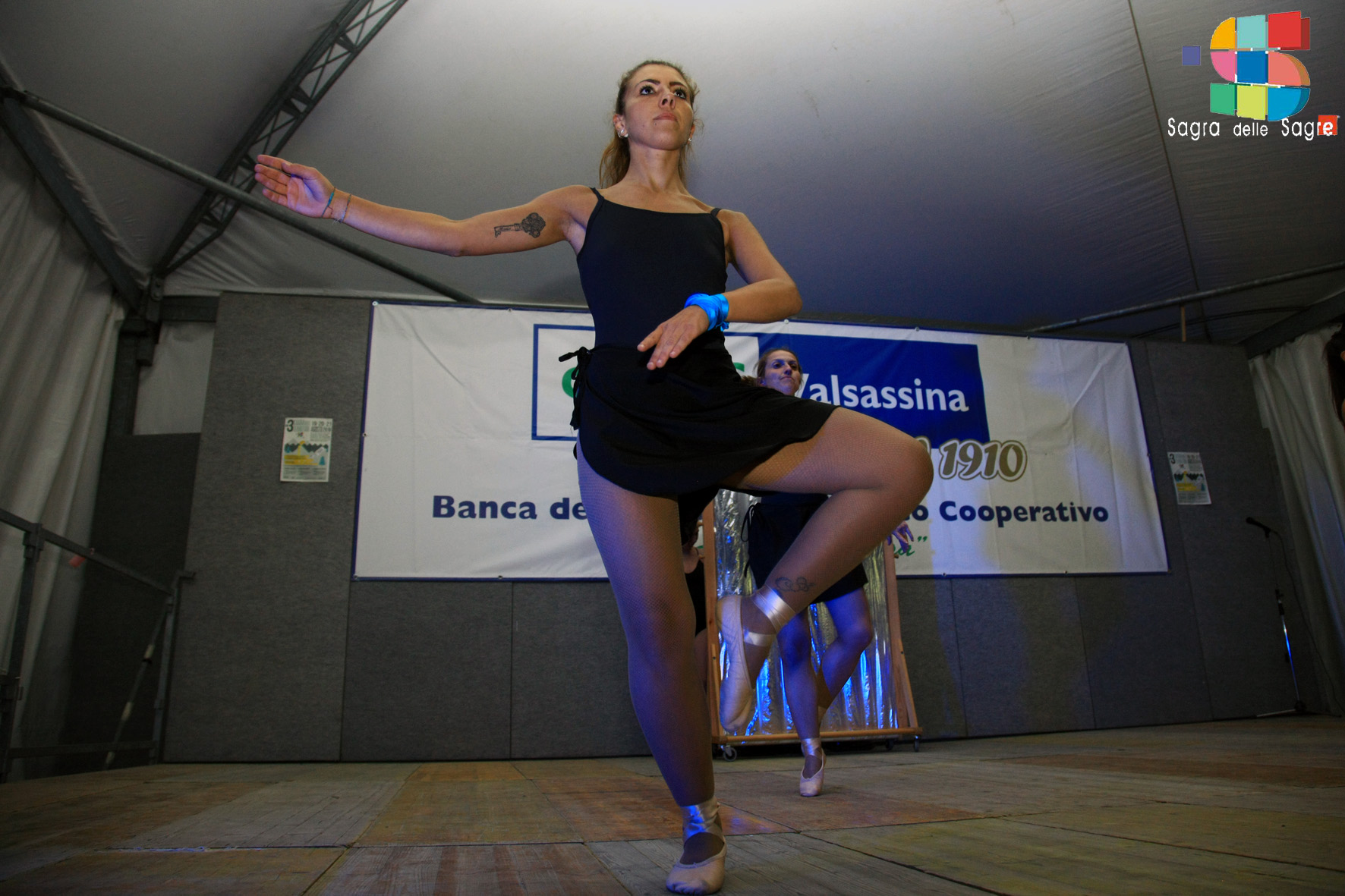 Dance Club 90 3